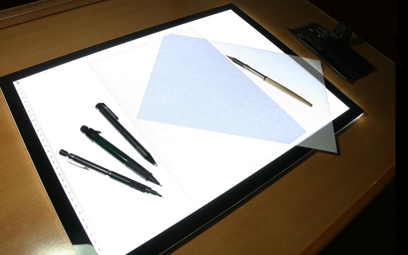 Mesa de luz trapa a for Mesa de luz para dibujo
